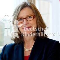 Anne Lütkes ist ehrenamtlich als Vizepräsidentin im Vorstand des Deutschen Kinderhilfswerkes tätig.