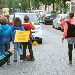 Das Motto zum Weltkindertag 2015 lautete: Unsere Straße ist zum Spielen da!