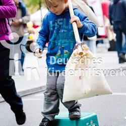 Das Deutsche Kinderhilfswerk koordiniert den jährlichen Weltspieltag in Deutschland.